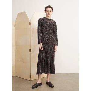 Image of Vince Pomegranate Pleated V-neck Dress Black